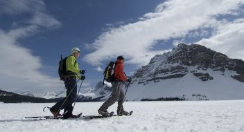 Guided snowshoeing Banff, guided snowshoeing Canmore, guided snowshoeing Kananaskis